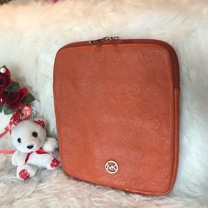 Michael Kors IPad Air travel pouch